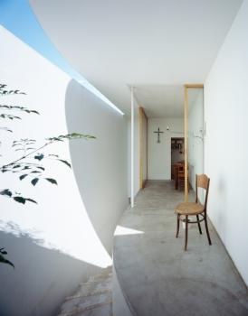 Takeshi Hosaka Architects. 2005