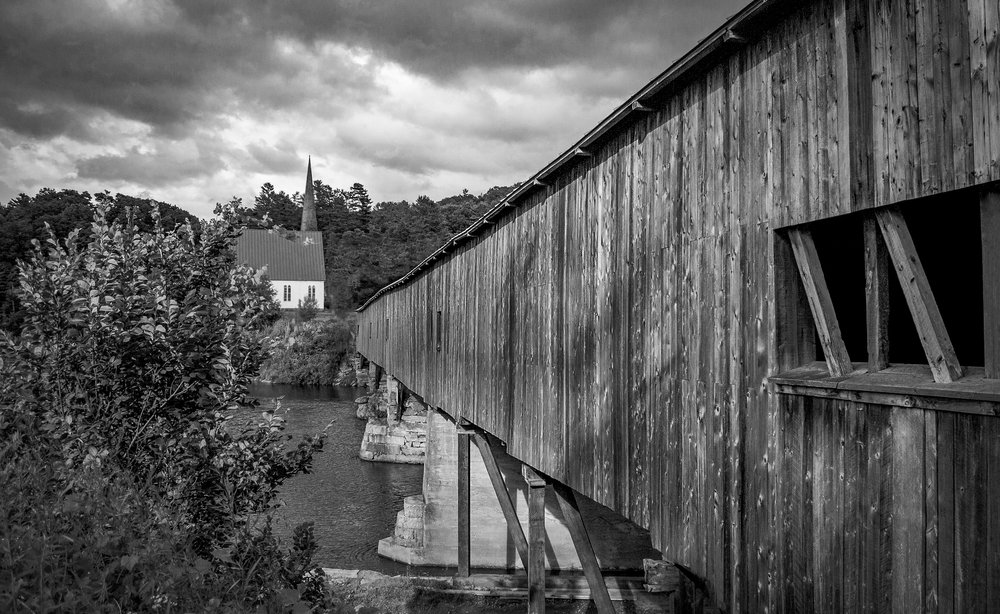Vermont covered bridge B&W.jpg