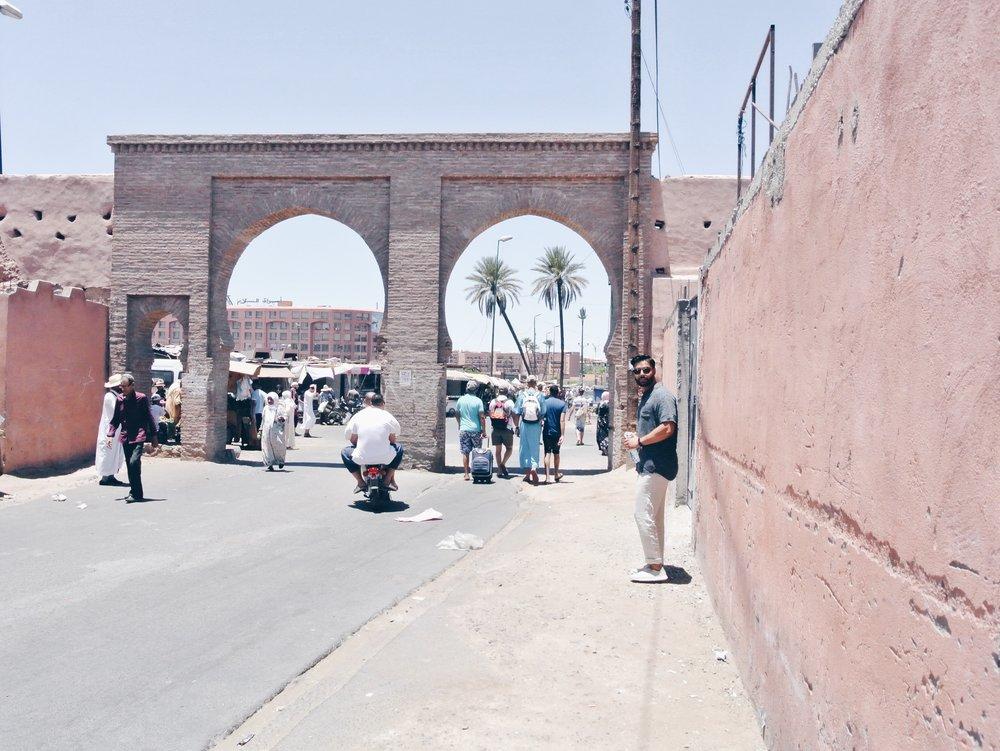 MARRAKECH MEDINA GATEWAY TO GUELIZ