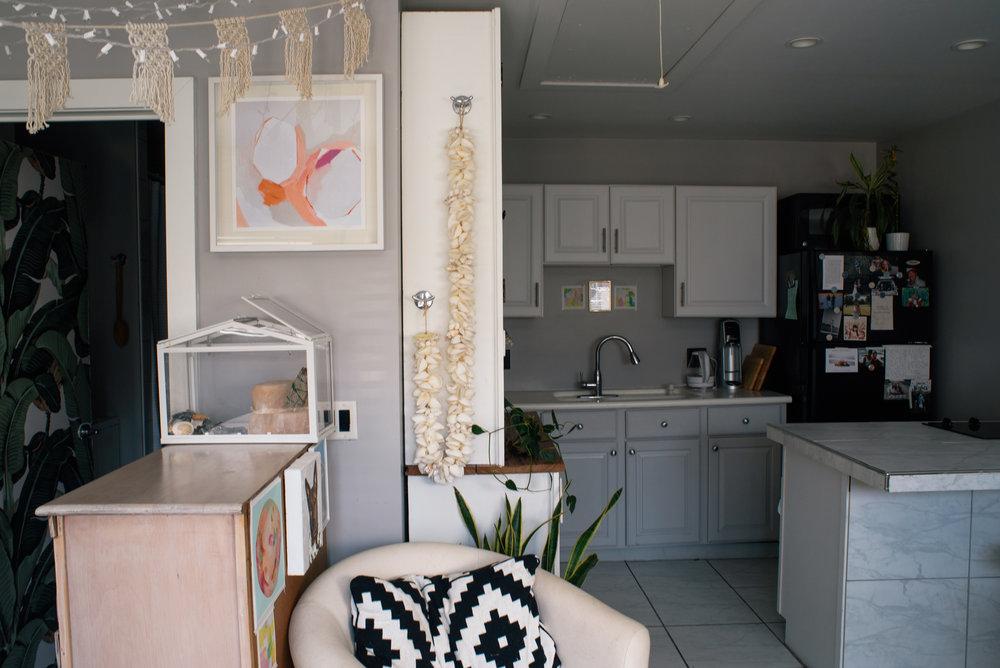 britt-bass-art-tiny-house-in-savannah-georgia-savannah-tiny-cottage-the-jade-cottage-