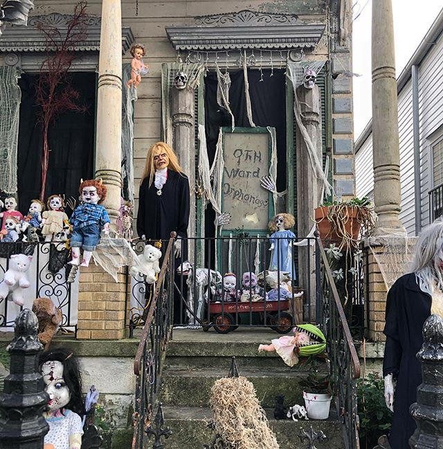 """Additional photos of the """"9th Ward Orphanage"""" that I posted yesterday. Swipe through to see more details! 😍🎃🕷🧛🏻♀️👹"""