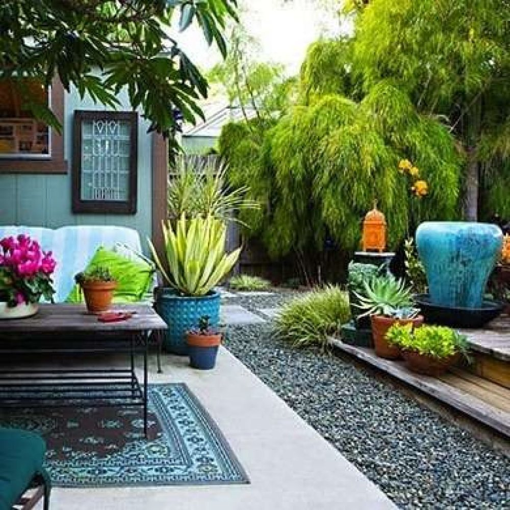Small yard retreat