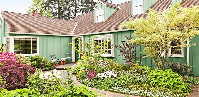 front-yard-garden-102100347-hero.jpg