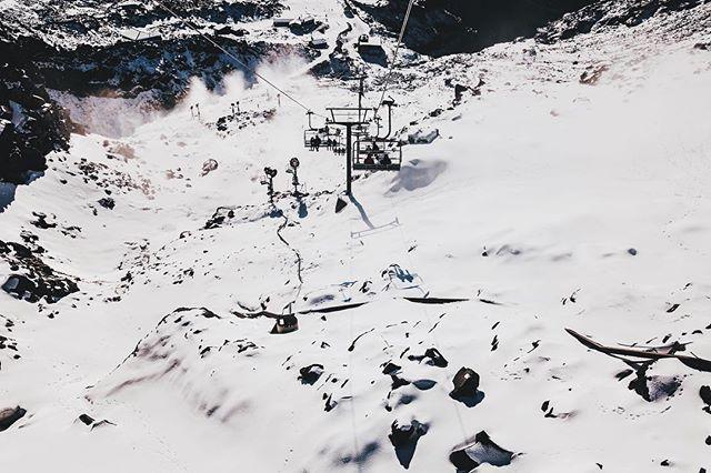 Mount Ruapehu • Tongariro NP • New Zealand // #ruapehu #nationalpark #newzealand #home #vsco #theoutbound #travel #traveller #justgoshoot #exploretocreate #traveldiary #mountain #snow #winter #ski #worldtravelbook #adventure #explorer #lonelyplanet #wanderlust #natgeo