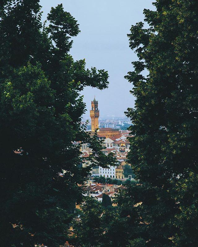 Quelli eran giorni, si, erano giorni. Firenze • Italia // #italy #florence #vsco #theoutbound #wanderlust #explorer #adventure #travel #photography #film #justgoshoot #exploretocreate #peoplescreatives #visualsoflife #worldtravelbook