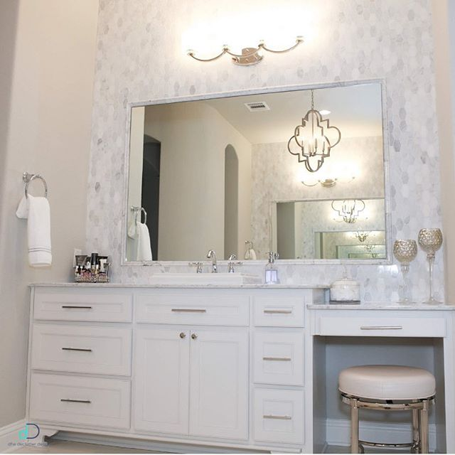 Needing some bathroom inspo? Look no further! Organizing this gorgeous bathroom was so fun! We thought we would share a few tips so you can DIY!  1. Declutter first: there's no point in organizing stuff you don't need or use! 2. Keep the counter clutter-free 3. Use the inside of cabinet doors for storage: hellooo over the door organizers! 4. Use drawer dividers: they make finding what you're looking for so much easier! If you decide to try out our tips, be sure to post a picture to your story and tag us so we can see! Happy Thursday! 💙✨ • • • #professionalorganizer #lifestylefrisco #dallasinteriordesign #dallasrealestate #dallasmoms #dallasmomsblog #planomoms #mckinneymoms #organizationideas #dallastx #friscotx #mckinneytx #friscotxnews #friscotxevents #inspohome #closetorganization #friscomoms #allentx #functional #repurposed #dfwrealestate #dallaslife #dallasblogger