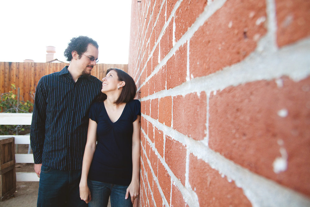 engagement_photos_red_brick_san_diego.jpg