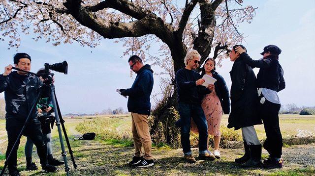 映画「ハモニカ太陽」の舞台裏を公開! https://www.nishikan.info/harmonica-taiyo#/harmonica-taiyo-behindthescene/ 【西蒲映画上映会のお知らせ】 西蒲区の温かい人情と美しい情景の中、若者の夢と家族の愛が描かれる西蒲映画の第3弾「ボケとツッコミ(藤代雄一朗 監督)」が完成しました。シリーズ3部作の完結を記念し多くの皆さまに大画面でお楽しみいただきたく上映会を開催します。ぜひお越しください!  日時 : 4月20日(土) 13:00から 場所 : 新潟市巻文化会館 入場無料です。予約など必要ありません。直接会場までお越しください。  催し内容 : ・西蒲映画最新作「ボケとツッコミ」上映(約55分) ・舞台挨拶、抽選会 ・一作目映画「にしかん」上映(約50分) ・二作目映画「ハモニカ太陽」総集編上映(約80分)  駐車場について 会場には駐車場が少ないため、できるだけ公共交通機関をご利用のうえお越しください。  詳しくはこちら https://www.city.niigata.lg.jp/nishikan/about/kankou/nishikaneiga/boketotukkomi_joei.html  #factory #drawingandmanual #新潟市 #西蒲区 #武蔵野美術大学 #にしかん #ハモニカ太陽 #ボケとツッコミ #純愛映画 #家族愛 #漫才 #脳梗塞 #地元 #帰省 #故郷 #農家 #父子家庭 #幼なじみ #高齢化 #幼なじみ婚 #filmmaker #filmproduction