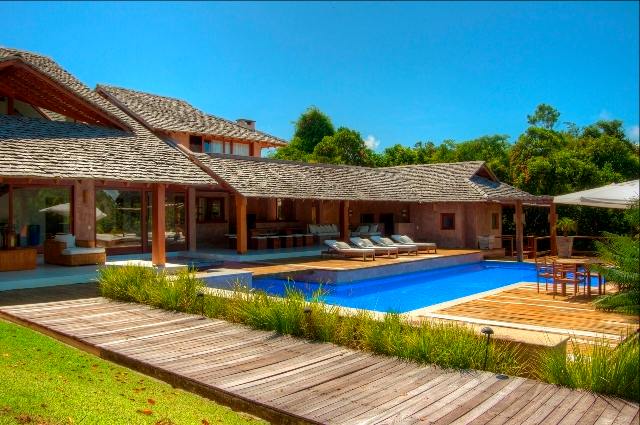 luxury home in trancoso brazil,brazil beach house.png