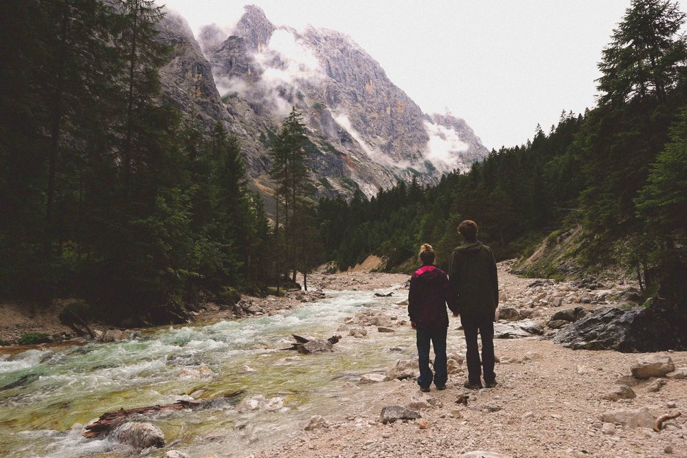 Trekking the Reinal route in the valley behind Zugspitze