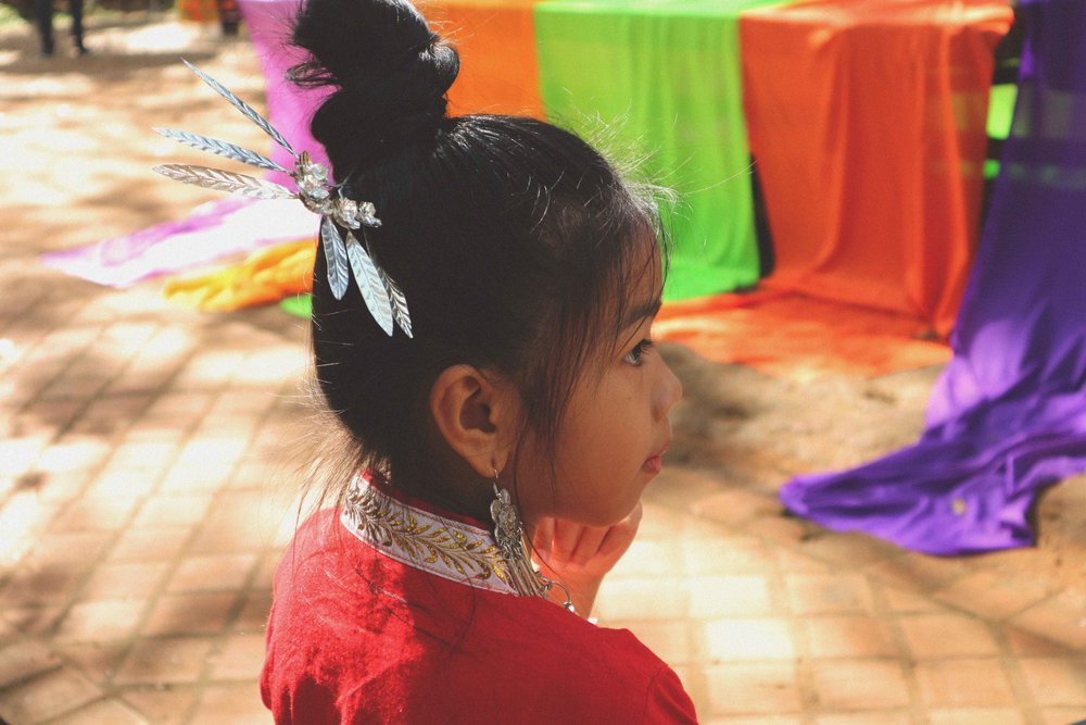 A Thai girl at the Black Temple
