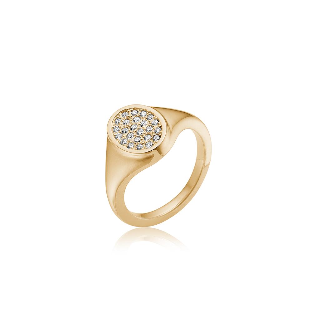 Guld ring med diamanter.