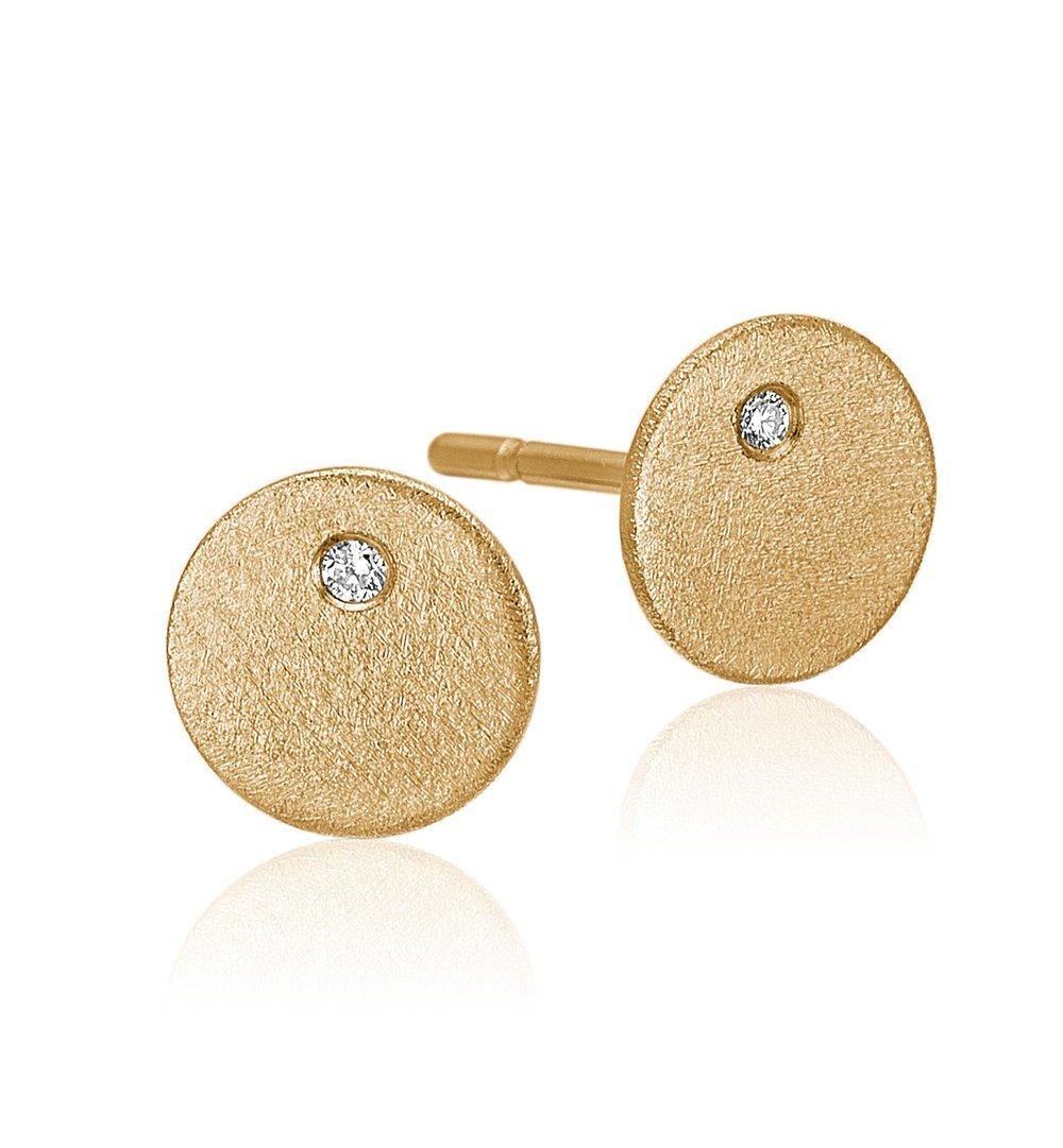 Plade ørestikker i guld med diamanter.