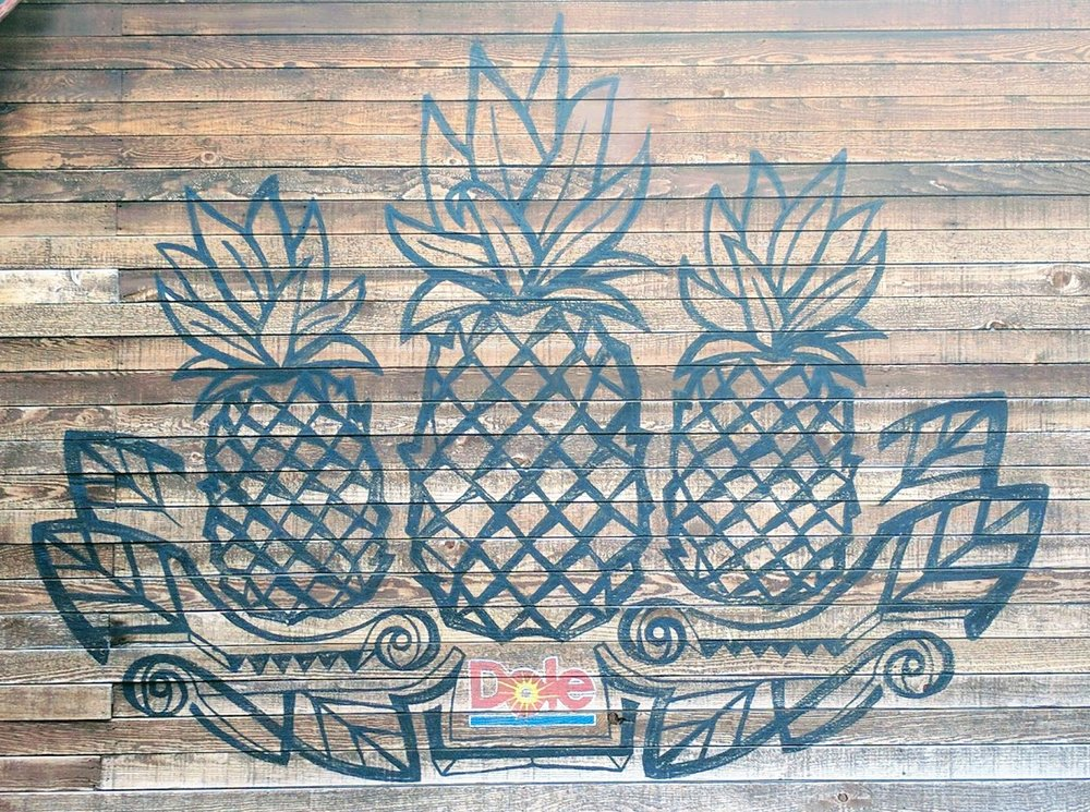 We love this Pineapple Mural at Aloha Isle!