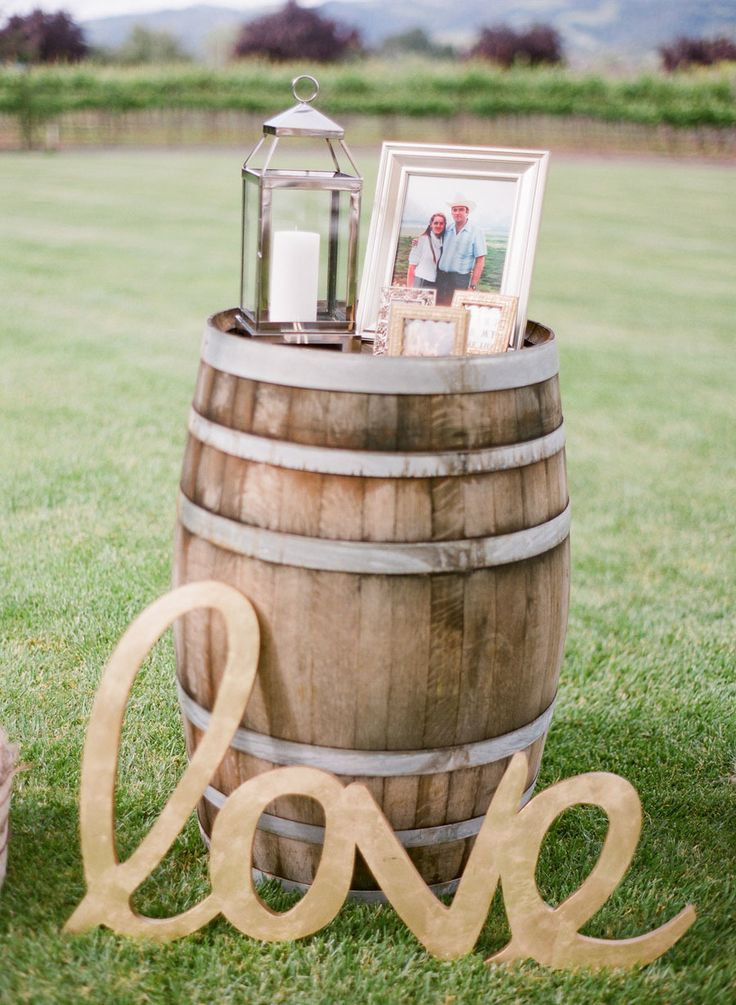wine-barrel-wedding-decor-ideas-for-rustic-weddings.jpg