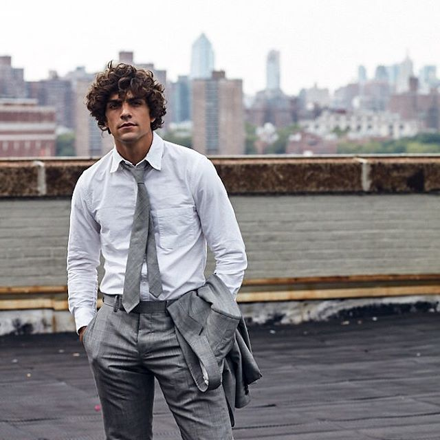 """I had a post-it on my wall that just said """"jake's rooftop tbt"""" so here it is, have a great Thursday everybody #tbt . . . @jakeysanderson 📷 @blake_martin @christopherfarber #madetomeasure #mensfashion #newyork #postit #rooftop #tailor #suit"""