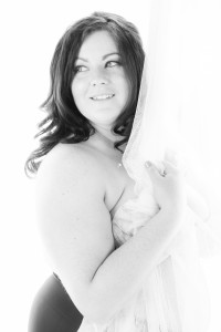 Experienced Edmonton Photographer - specializing in wedding photography, engagement photography, boudoir photography, portrait photography - Building Confidence to feel Beautiful again