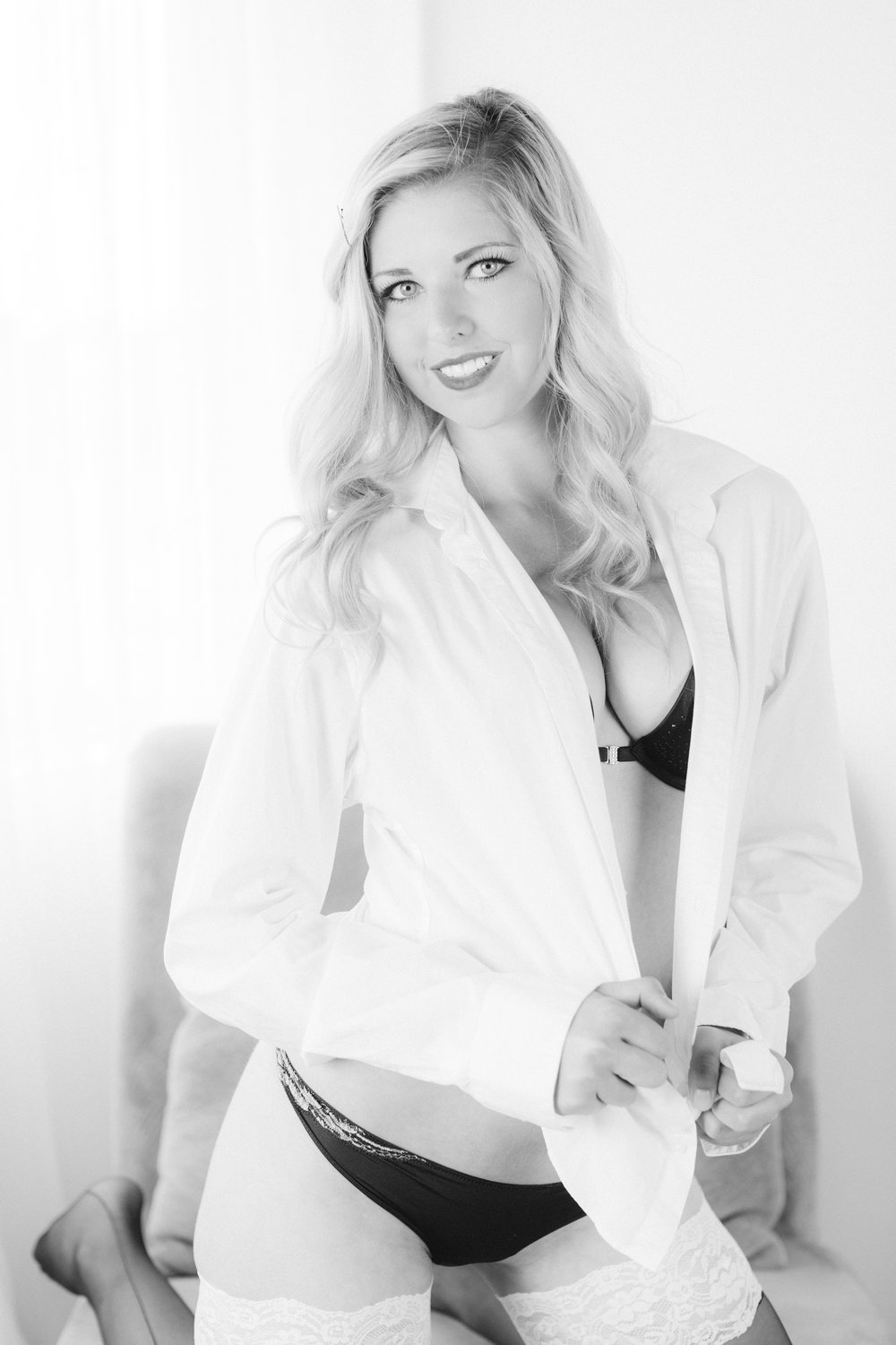 Experienced Edmonton Photographer - specializing in wedding photography, engagement photography, boudoir photography, portrait photography -frequently asked boudoir questions