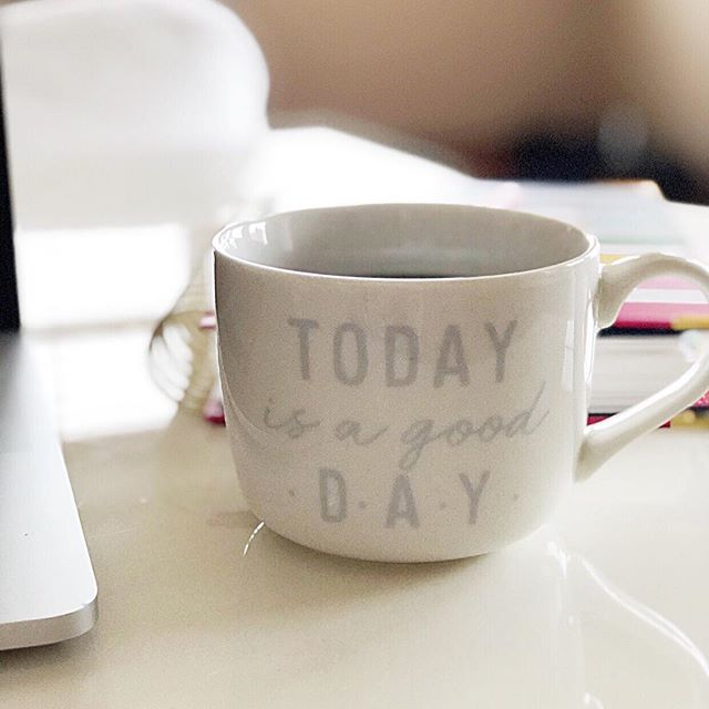 After a weekend filled with lots of fun and family time, it's time to get back to work! I'm feeling rested and ready for Monday. Hope you all had a great weekend and wishing you a week filled with lots of good days. ⠀⠀⠀⠀⠀⠀⠀⠀⠀ . . . . . #mompreneur #creativepreneur #virtualassistant #todayisagoodday #mondaymotivation #womeninbusiness #savvybusinessowner #designalifeyoulove #smallbusinessowner #businessbydesign #momboss #creativebusiness #dreamersanddoers #hustleandheart #womenbusinessowners #lovemybiz #herestothecreatives #smallbusinesslife