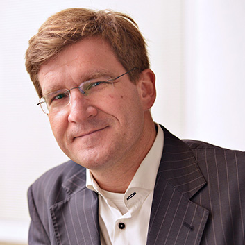 Marcin Piątkowski, PhD - The World Bank in Warsaw