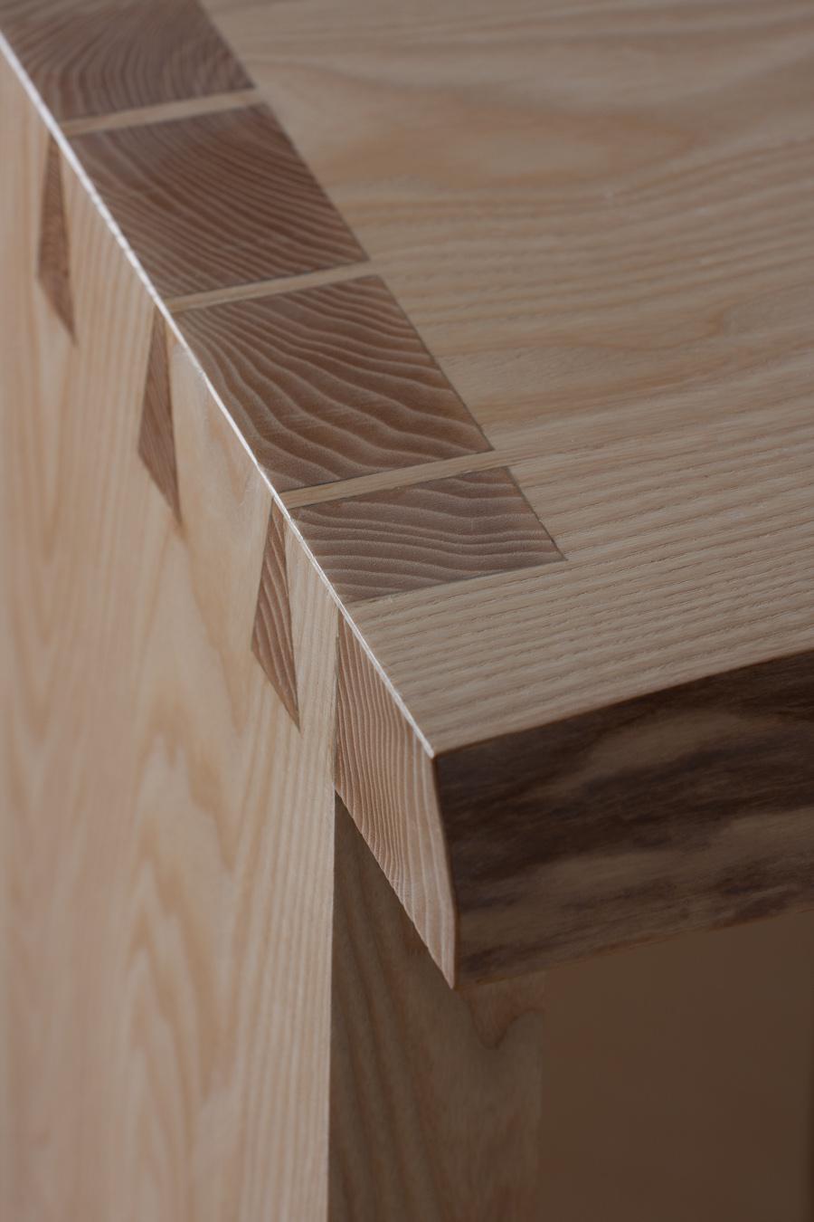 Стол для ванной из ясеня Dove Tale