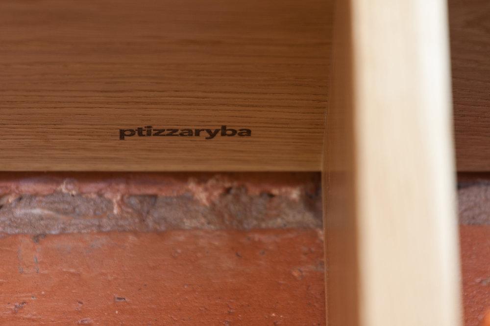 bookcase02-7.jpg