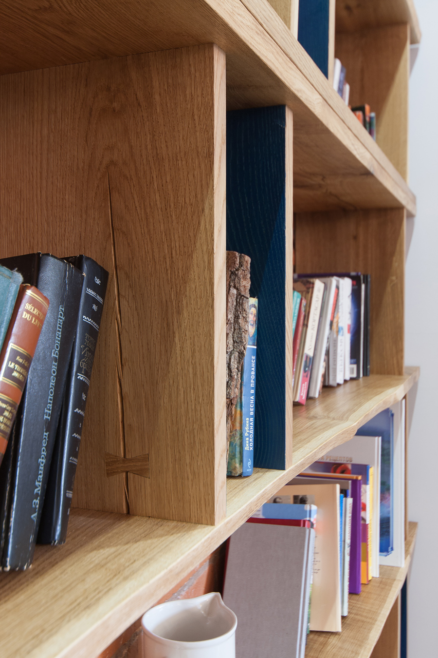 bookcase02-1.jpg