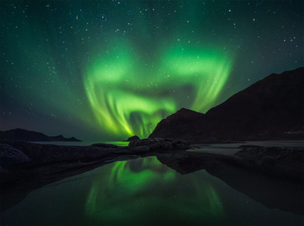 Photographer:  Luca   Country:  Italy  Title:  Aurora