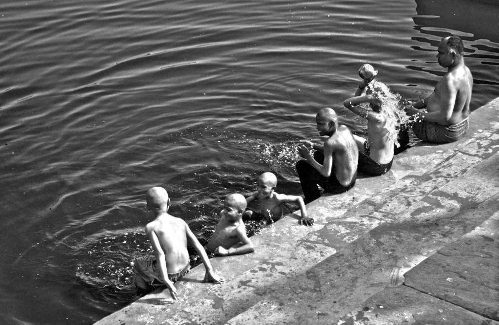 Photographer:  Rraiitk   Country:  India  Title:  Progression of a Bath