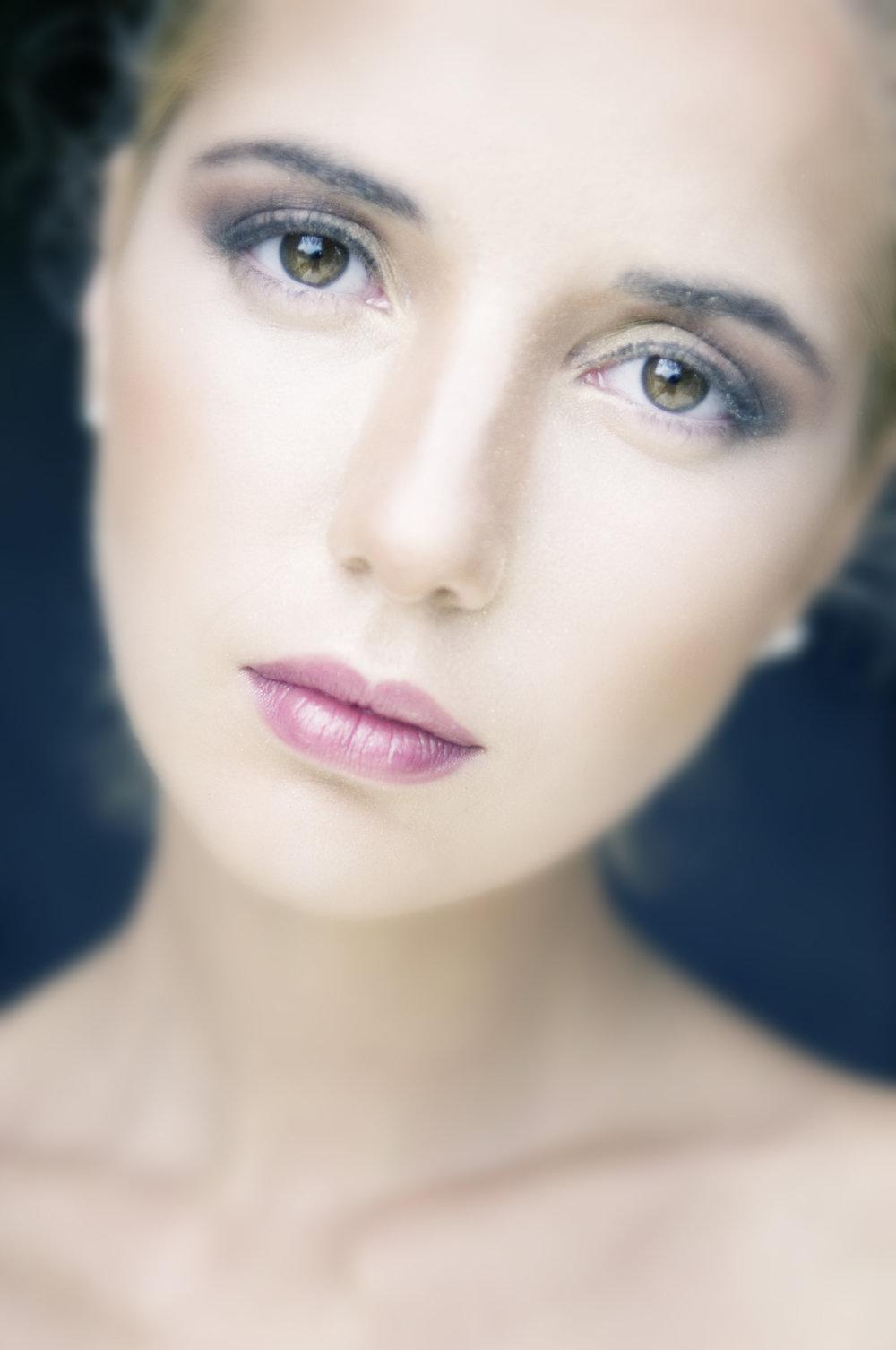 beauty-photographer-available-light.jpg