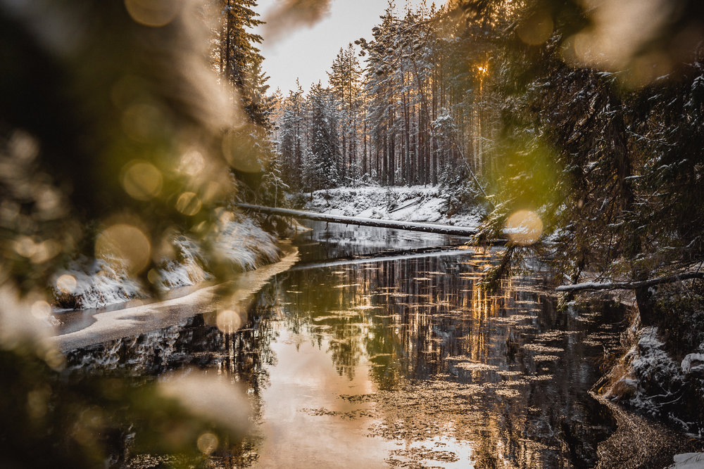 11-finland-winter-hiking-river-anna-elina-lahti-photographer.jpg