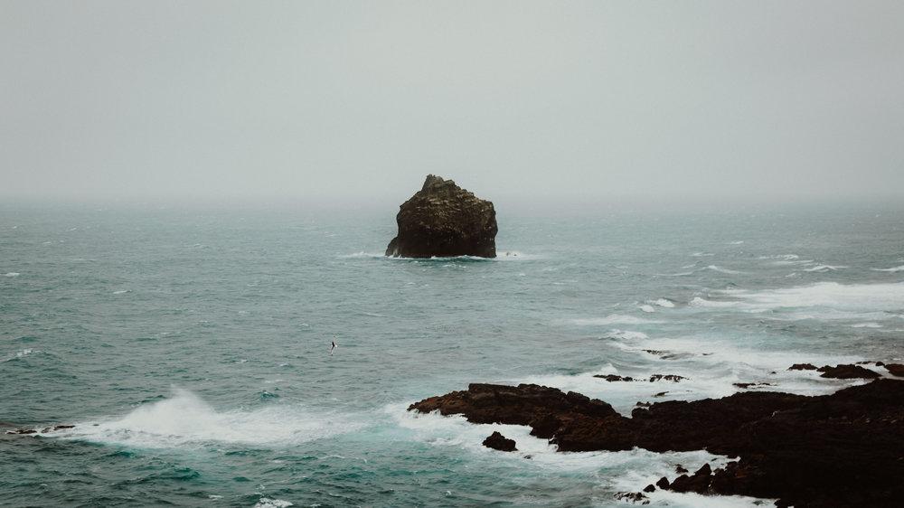 20-iceland-reykjanes-atlantic-ocean-seastack-anna-elina-lahti-photographer.jpg