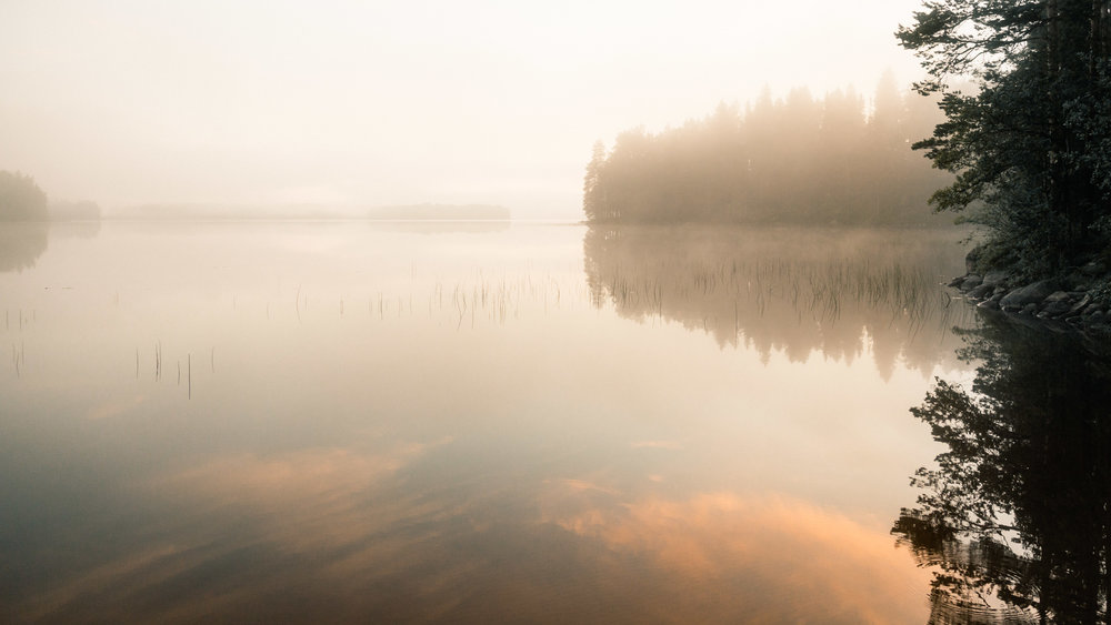 25-sunrise-misty-morning-finland-midsummer-camping-anna-elina-lahti-photographer.jpg