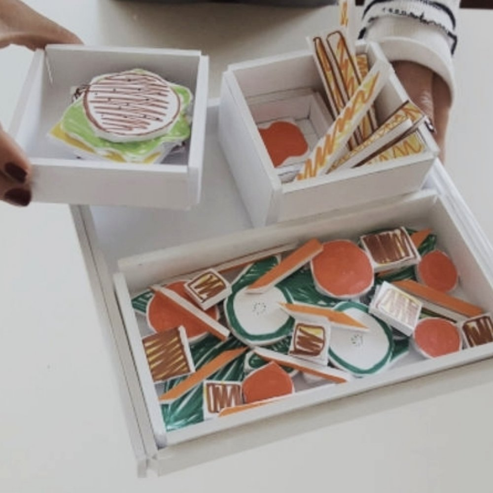 Design Thinking for Food: How do you reduce food waste. The Les Tray: why less is more (2016).   Les Tray Team: Sahoko Yui, Lianna Tilton, Ryan Tom, Zoe Desposito.