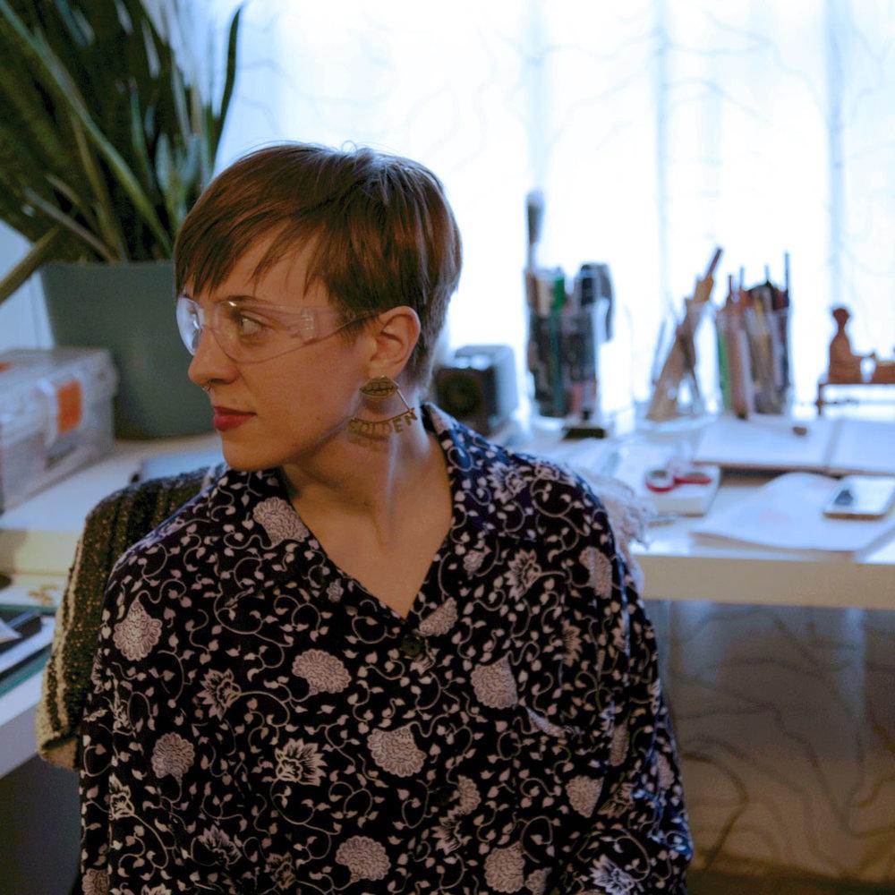 Hannah Parks  |  @hannahparksdesign   Illustrative jewelry handmade in Austin, TX 🇺🇸 Telling stories of joyful & authentic moments.