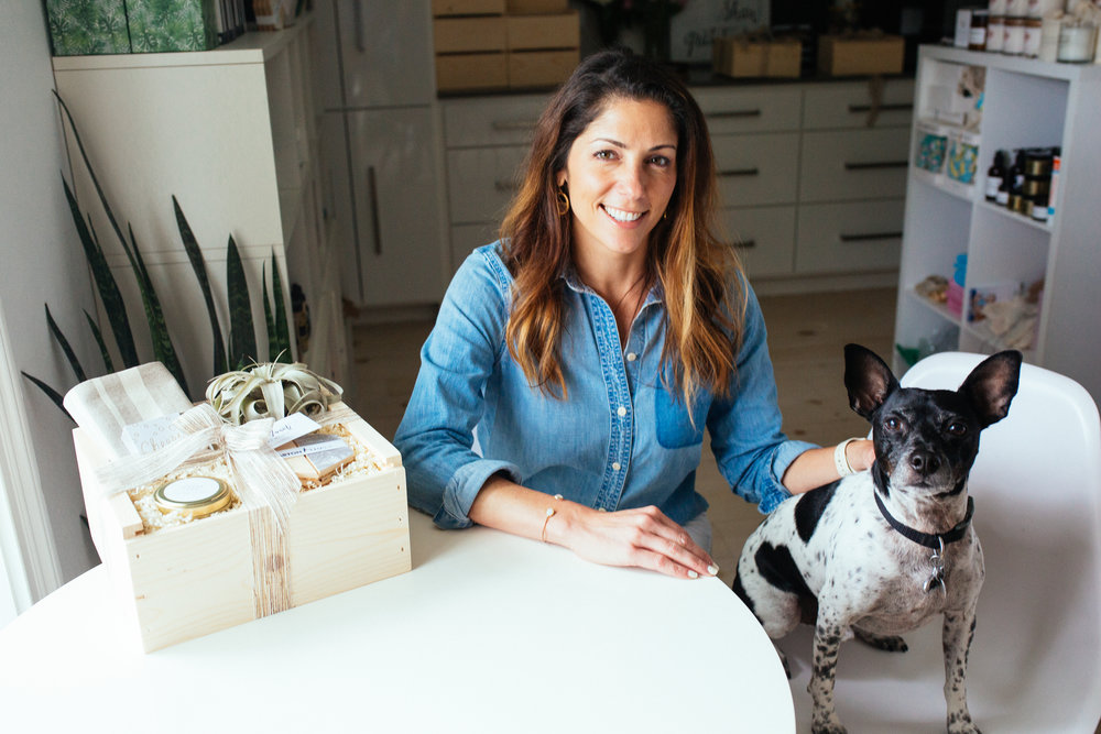 Steely Anderson  |  @bonvivantgiftboxes   Founder of Bonvivant Gift Boxes, thoughtfully curated gift boxes for every occasion.