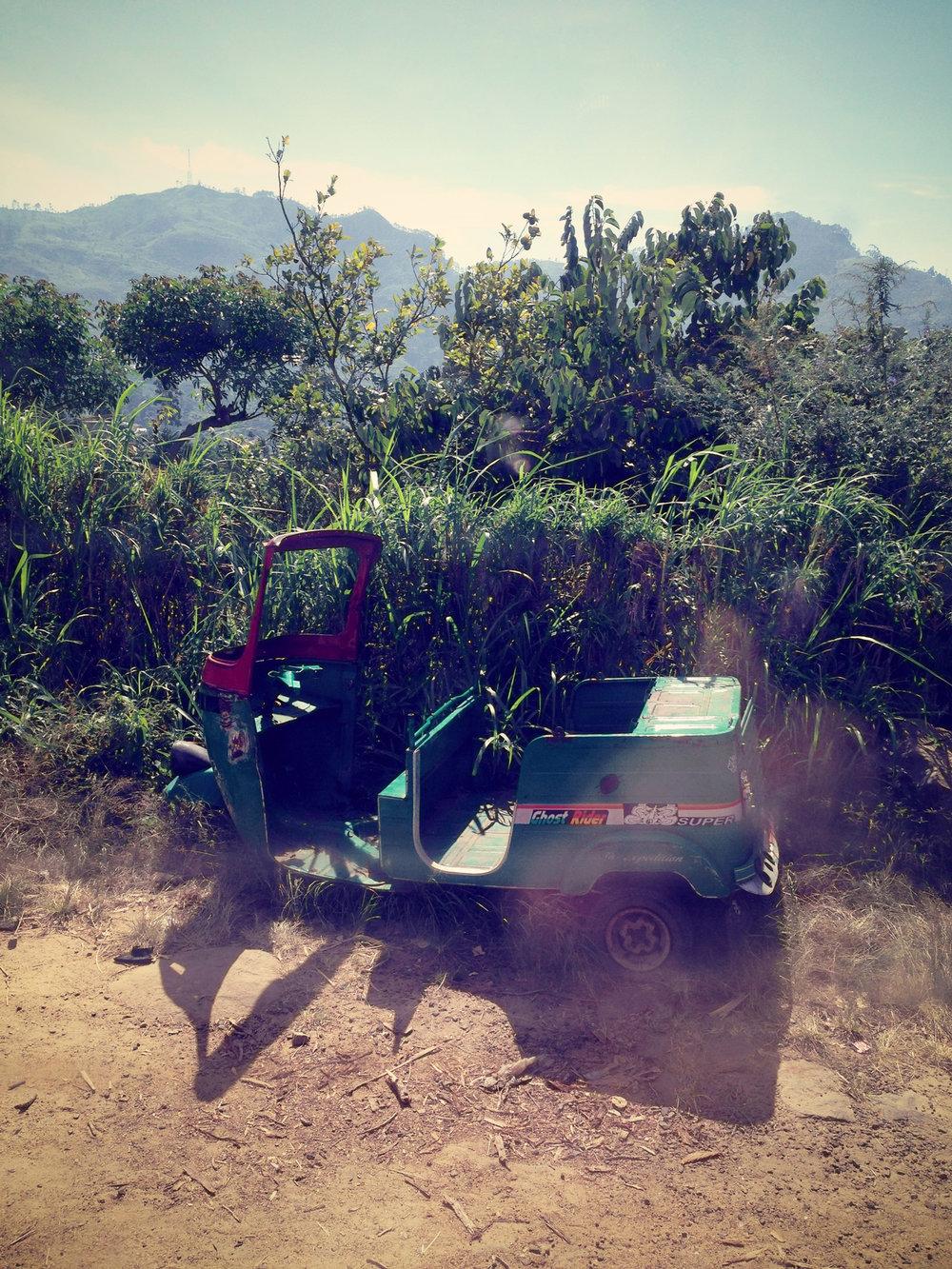 Abandoned tuktuk in Haputale
