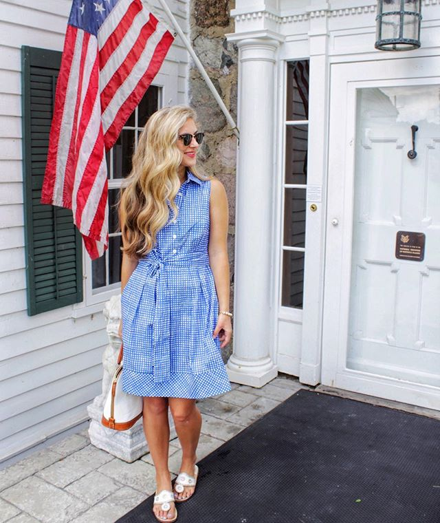 @robinvancrabb is looking J4 perfect in our Meg dress.  Happy Birthday America! 💥🇺🇸💥