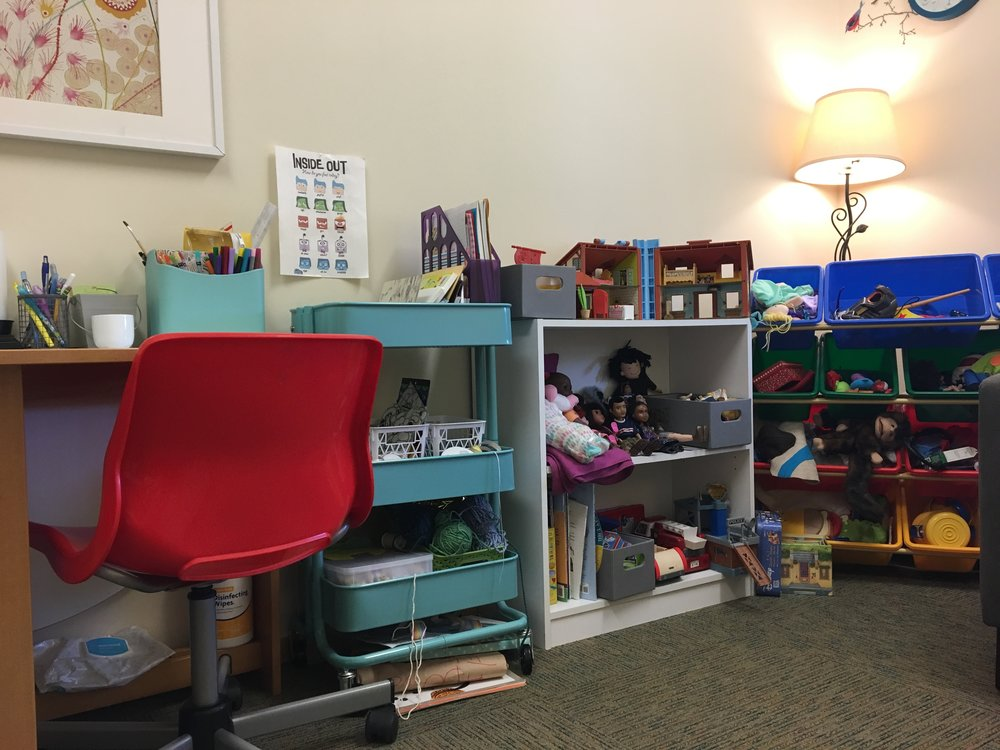 Seattle play therapist Katie Maynard child counselor