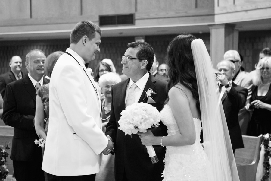 MIssissauga-Romantic-Wedding_17.jpg
