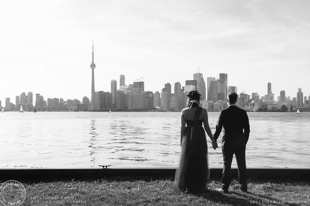 Laura & Jeff enjoying the view of the Toronto skyline, from Wards Island.
