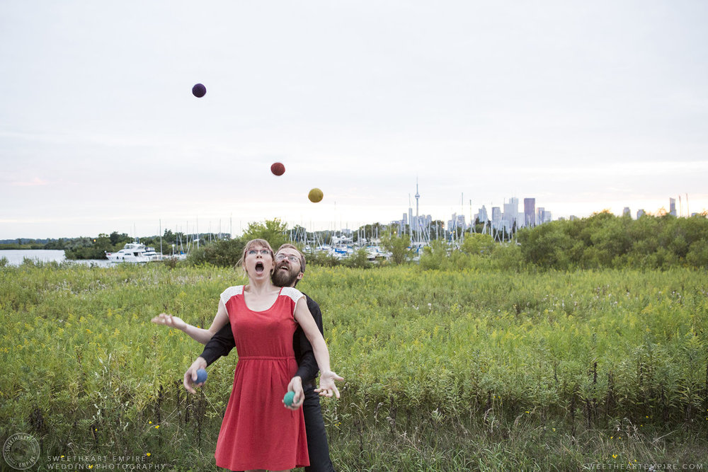 18_Juggling Engagement Photos Leslie Spit.jpg