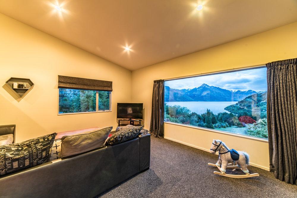 mikewwalton-michelle-airbnb-8.jpg