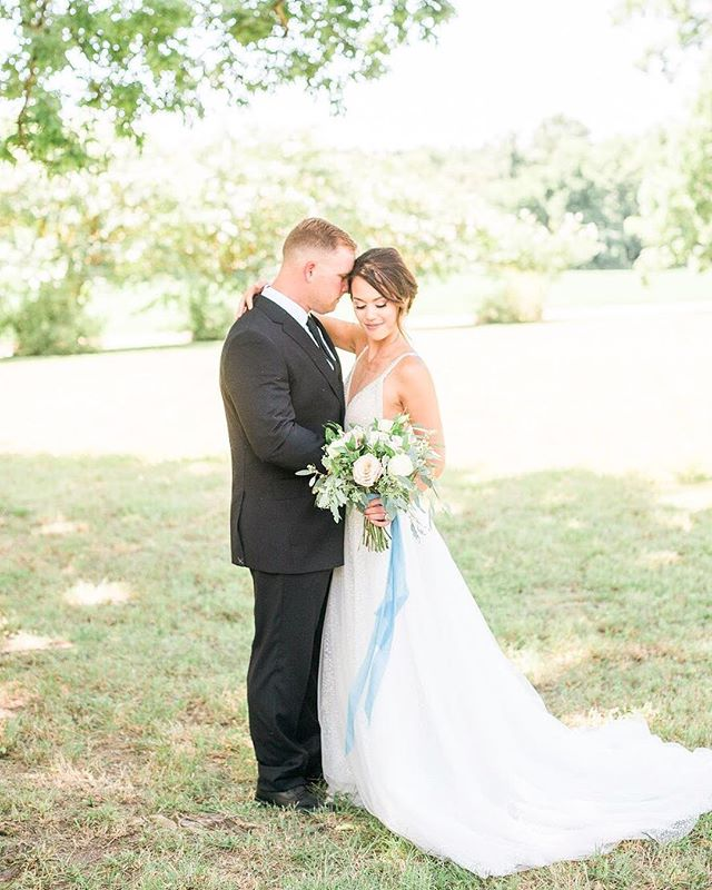 Hey Insta! It's been a minute since I've posted but look how beautiful Ashley & Robert are! I can't wait to share the rest of these lovely people I had the pleasure of getting to know! Fun fact: Robert is a two time College World Series Champion (Go Cocks!) and you may have seen him on LivePD!