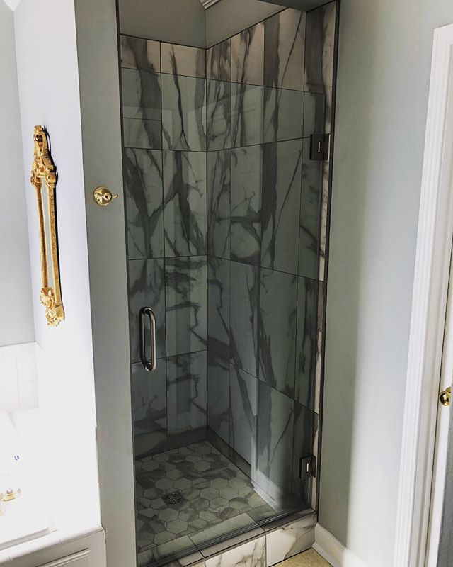 A little before and after of a little shower we had the opportunity to create for a wonderful client! Scroll 👉👉#yeahthatgreenville #greenvillesc