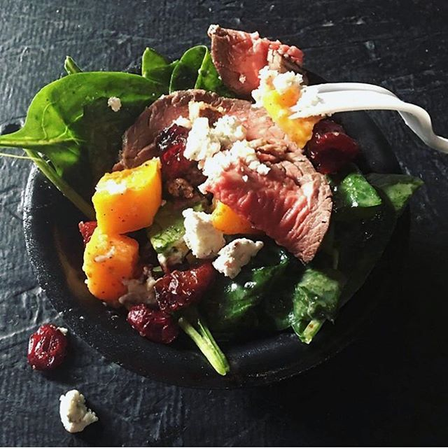 Fall salad with Maple Mustard? Yes please! Check out @thesundaymarketfranklin to get the recipe for the perfect #seasonal salad 🍴 —�—�—�—�—�—�—�—�—�—�—�—�—�—�—�—�— #thesundaymarket #franklin #tennessee #steak #fresh #local #salad #veggies #roots #diy #recipes #fromthekitchen #yum #taste #eatnashville #nashvilleeats #franklintn