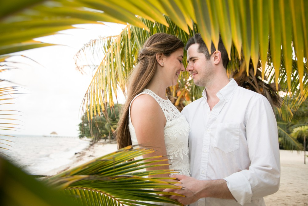 TropicalEngagement_DestinationWeddingPhotographer.jpg