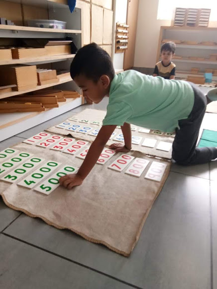 Montessori math - constructing large numbers