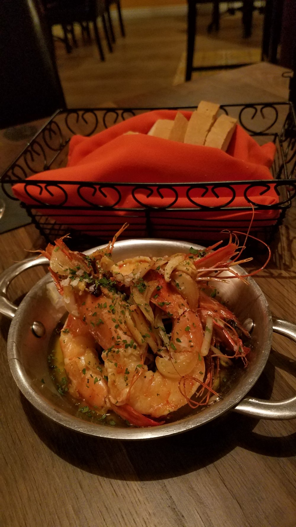 Gambas al Ajillo - garlic shrimp, olive oil. Yes the shrimp come with the heads. No you won't die! The shrimp were super tender and very flavourful