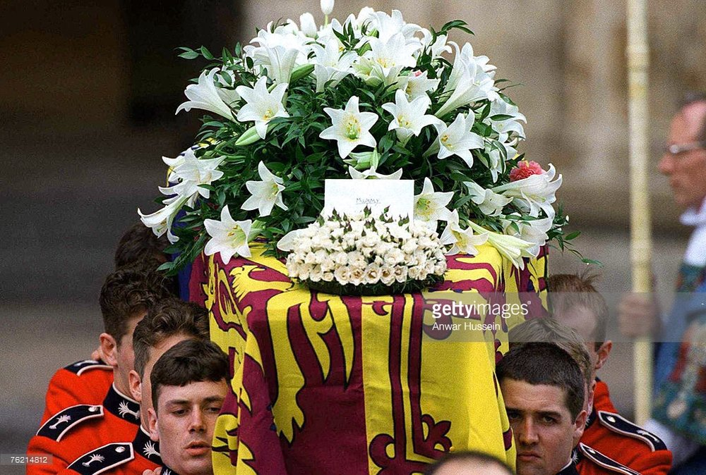 LONDON - SEPTEMBER 6: The coffin of Princess Diana, Princess of Wales, leaves Westminster Abbey after the funeral service on September 6, 1997. The touching flral tribute from her sons says simply 'Mummy'. (Photo by Anwar Hussein/WireImage)   Getty Images